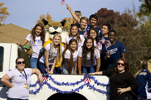 UC Merced staff and students in parade