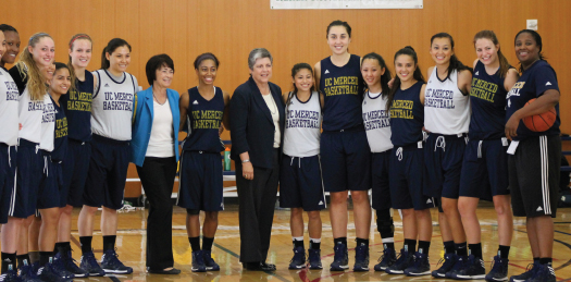 Janet Napalitano and Chancellor Leland with women's basketball team